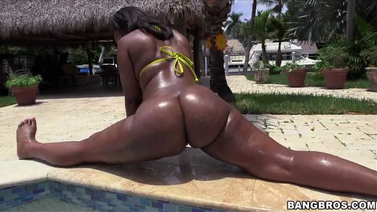 Thick Chocolate Booty rides dick