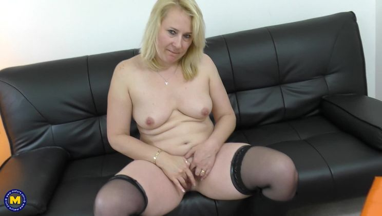 British housewife fooling around