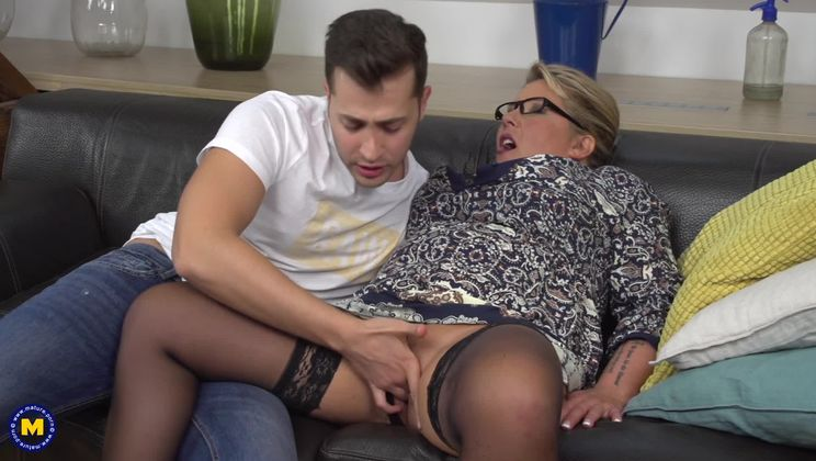 German big breasted housewife doing her toyboy