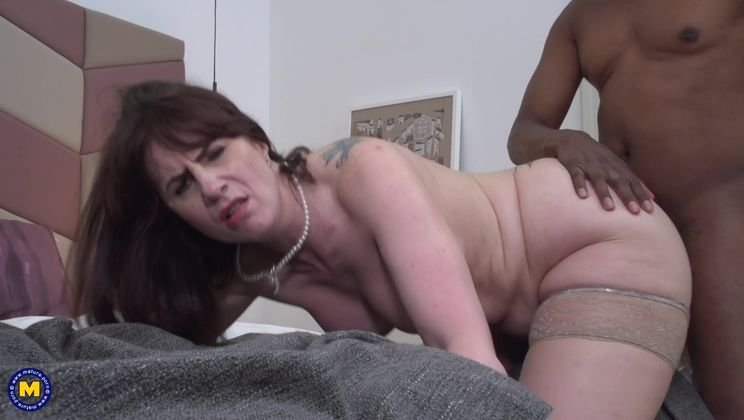 British horny housewife goes interracial