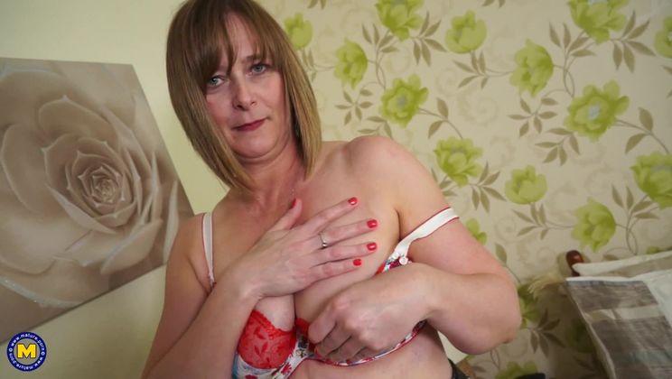 British curvy housewife goes wild