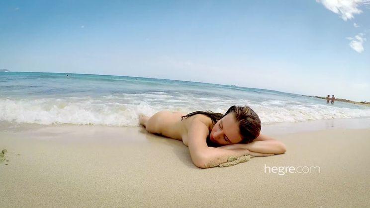 Alisa Naked In Ibiza