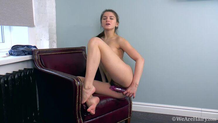 Evelina Darling masturbates with her pink vibrator
