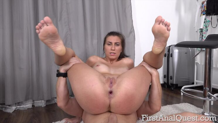 Busty Henna Ssy Gets Gaped Anally for the 1st Time