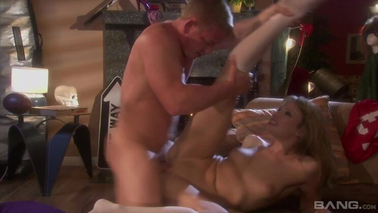 Lexi Belle gets wet when her ass is licked