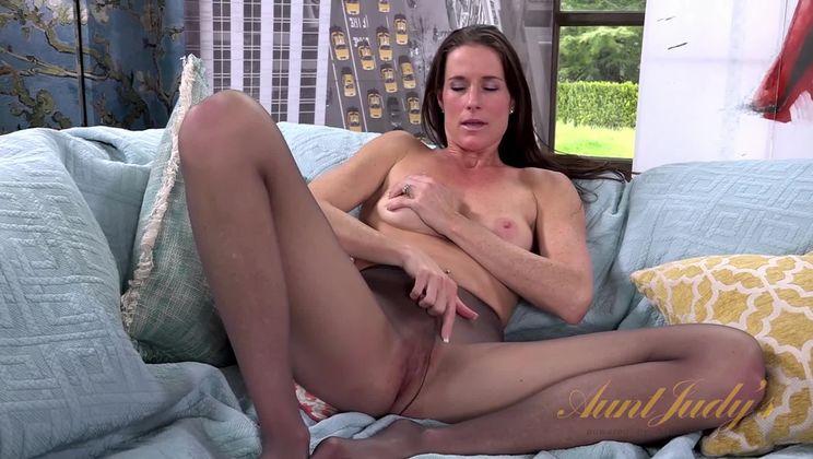 Sofie Marie Masturbation