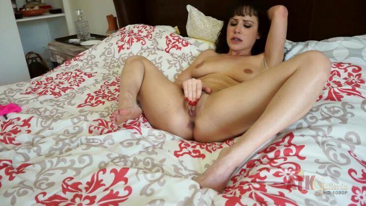 Katie St Ives