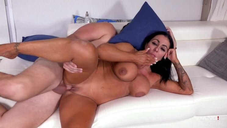 Simone blowie boob shirts porn galleries