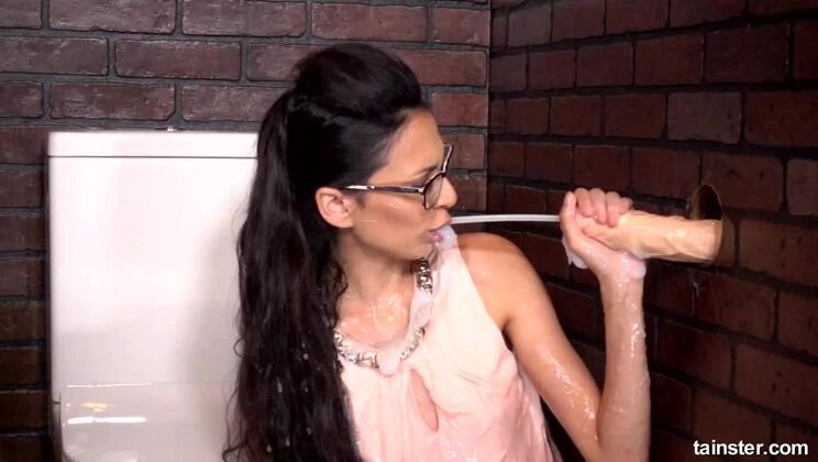 Cutie Gets Hit By Wettest, Stickiest, Ultimate Facial