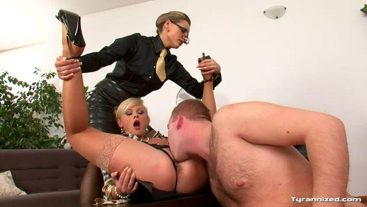 Mistress Gina Demands a Show