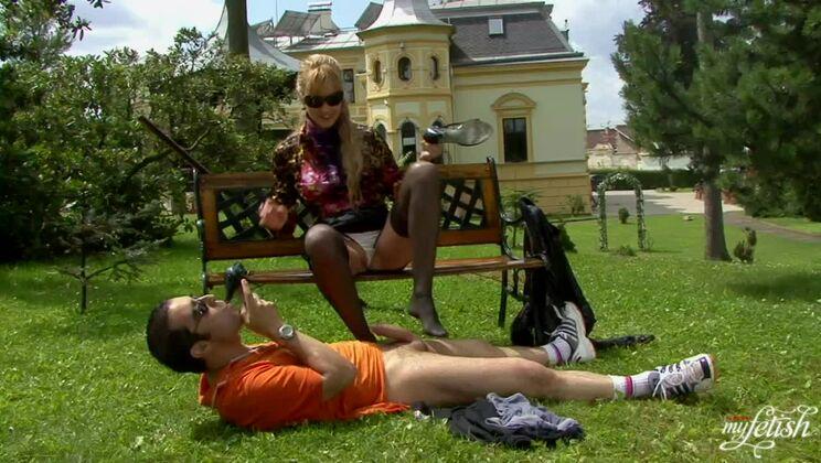 Wetlook Blowjob In The Park