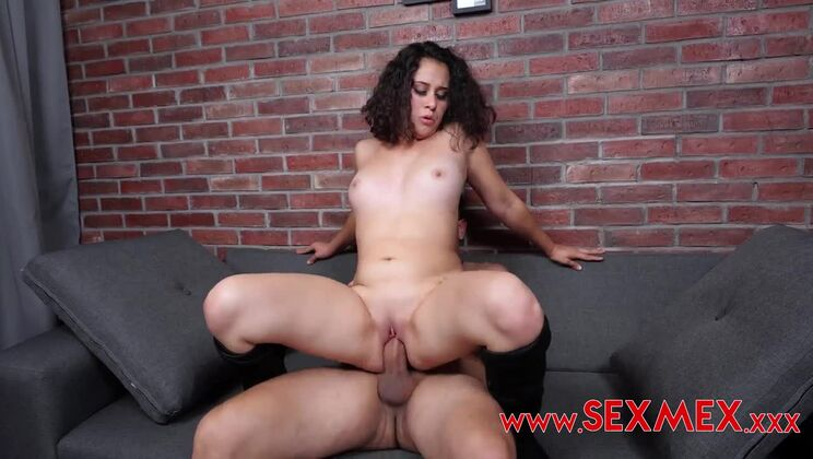 Trying a big dick