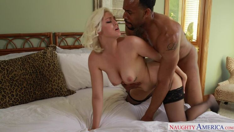 Jenna Ivory fucking in the bedroom with her big ass