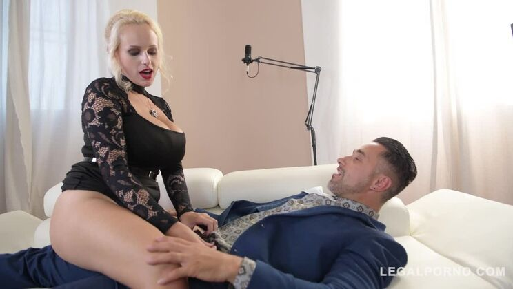 Dirty talking VR diva Angel Wicky gets her giant boobs & pink fucked hard GP768